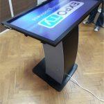 Touchscreen 40 inch cu suport (1)